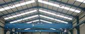 foto del techado interior de la nave industrial